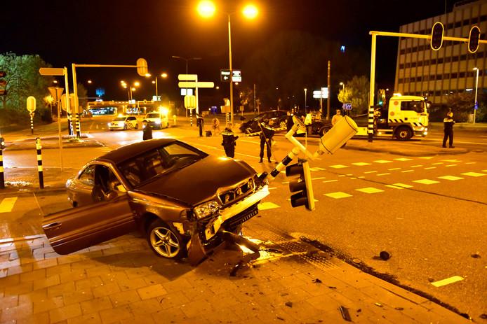 De schade is groot na het ongeval.
