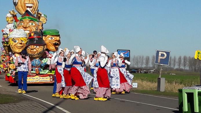 De carnavalsoptocht in Clinge.