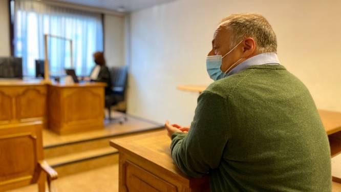"""Marc Van Ranst moet geen schadevergoeding betalen aan ondernemer na zijn 'Blijf weg uit Antwerpen'-tweet: """"Geen onzorgvuldigheid van viroloog aangetoond"""""""