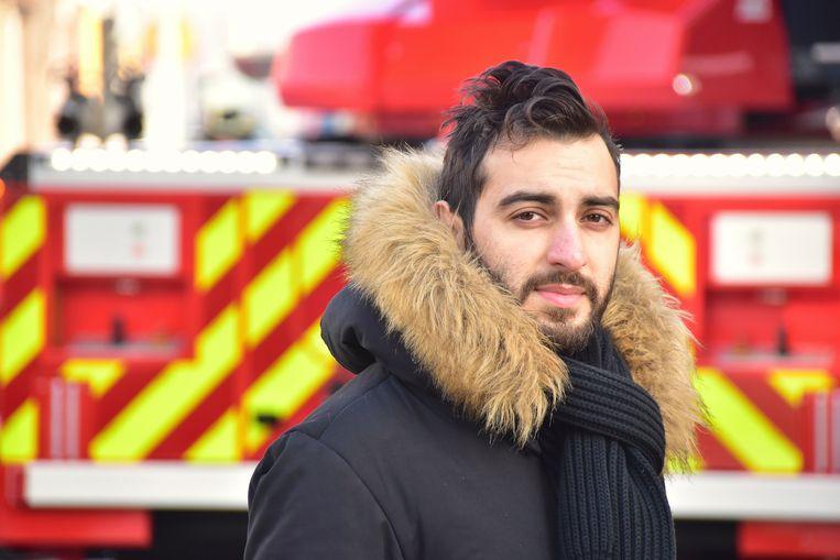 Buurman Ufuk Oztürk (27) werd uit zijn slaap gehaald door de brandgeur.