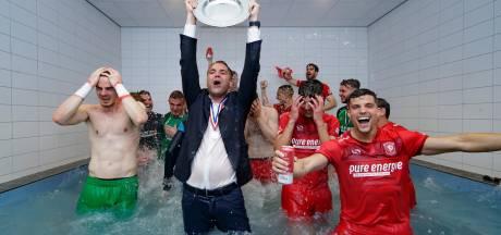 Reconstructie | Ondanks interne tegenslagen gaf FC Twente het kampioenschap nooit op
