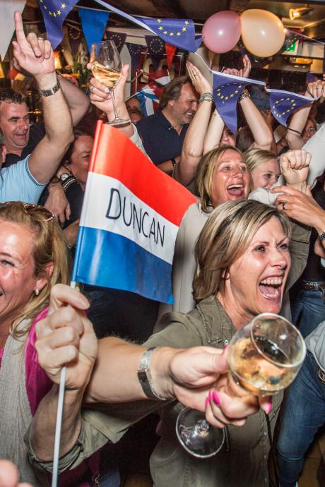 Hellevoetsluis juicht voor 'zijn' Duncan Laurence: 'Het was waanzinnig'
