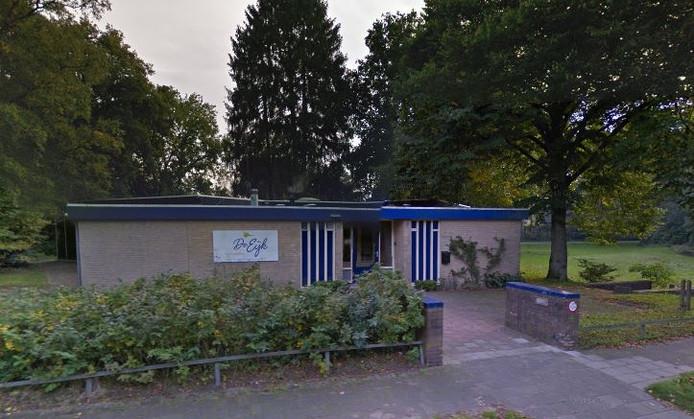 Dagbesteding De Eijk is weg uit het gebouw aan de W.G. van der Hulststraat, na de zomer keert een deel van de gelijknamige basisschool er weer in terug.