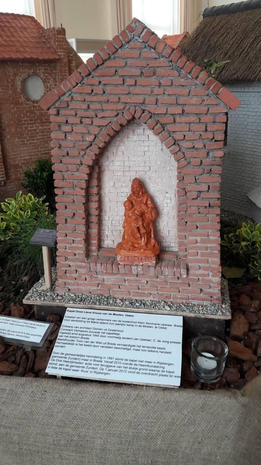 Model dat Frans Mathijssen maakte van de Lieve Vrouw van de Mosten-kapel aan de Paandijksestraat