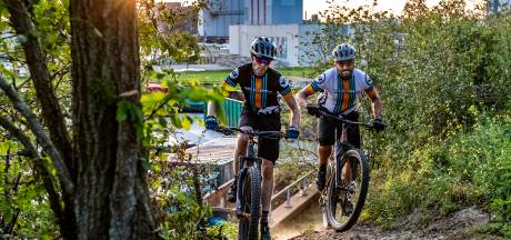 Steeds meer mountainbikeroutes in Salland en Achterhoek: 'Zelfs Deventer industrieterrein kent verborgen paadjes!'