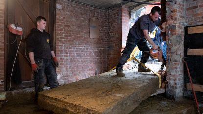 """Grafzerken worden uit kelder van Beerzelse kerk gehaald: """"Krijgen opnieuw hun plaats in de kerk"""""""