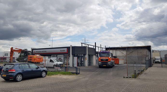 In de werkplaats van Mitsubishi-dealer Kardol in Nijmegen woedde 13 mei een felle brand. Inmiddels is een gedeelte van het pand gesloopt.