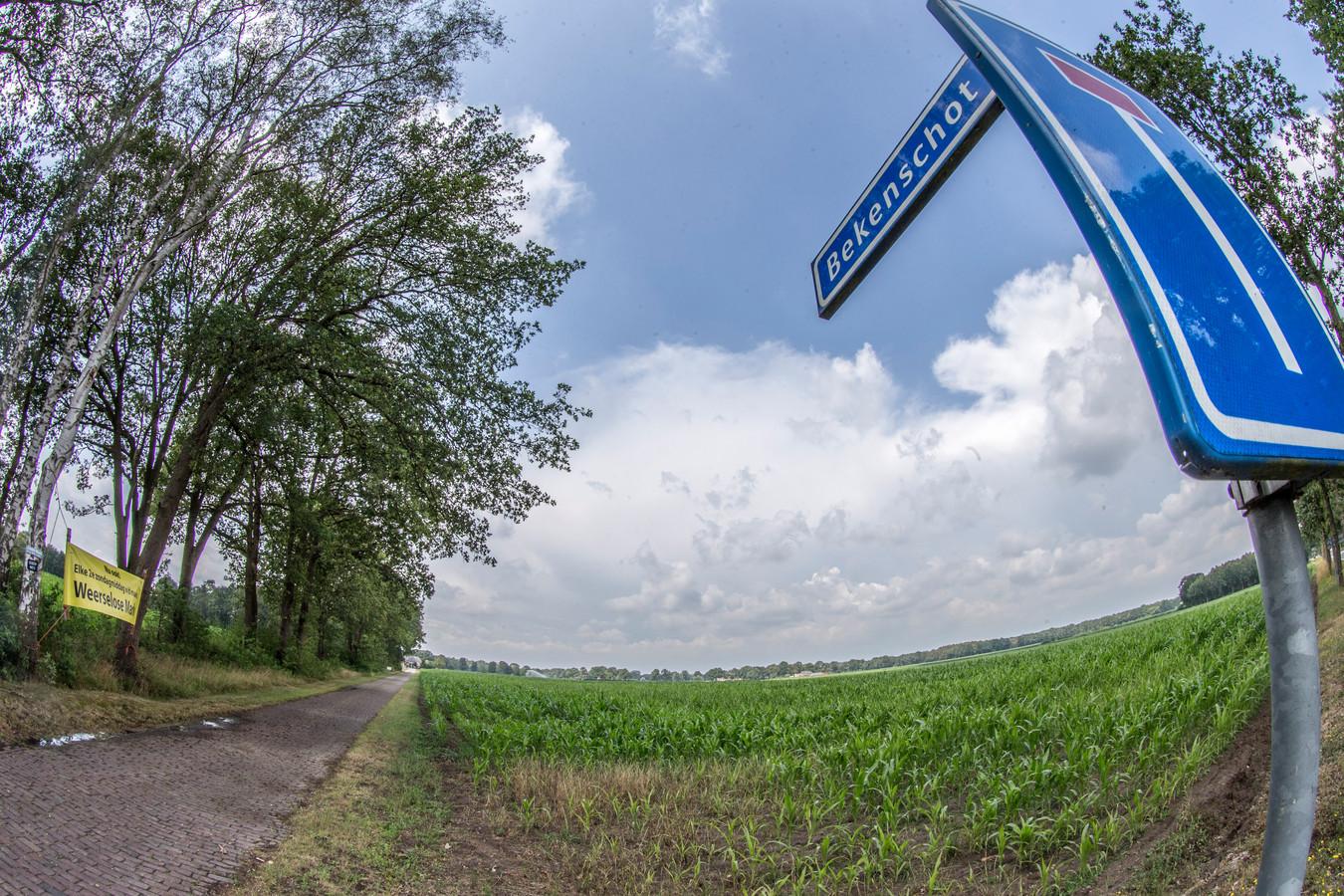 Boer Marcel van der Zanden heeft aan het Bekenschot in Barchem grond die hij zou willen verpachten aan TPSolar voor de komst van een zonnepark. Uiteindelijk zouden er, als het aan TPSolar en Van der Zanden ligt, nog meer zonneparken moeten komen.