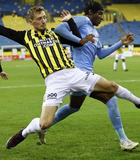 Samenvatting | Bekijk hier de beelden van de historische nederlaag van PSV bij Vitesse