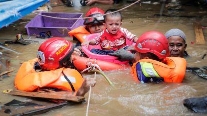 Al meer dan veertig doden bij overstromingen Jakarta