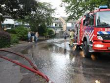 Klaarwater houdt 't niet droog: gesprongen leiding zorgt voor waterballet in Soester wijk