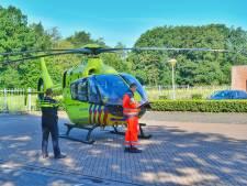 Traumahelikopter landt bij bedrijfsongeval in Veldhoven, gewonde naar ziekenhuis