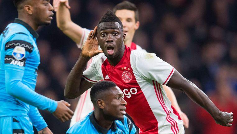 Davinson Sanchez van Ajax heeft de 2-1 gescoord en wil dat horen. Ajax speelt in de eredivisie tegen AZ. Beeld anp