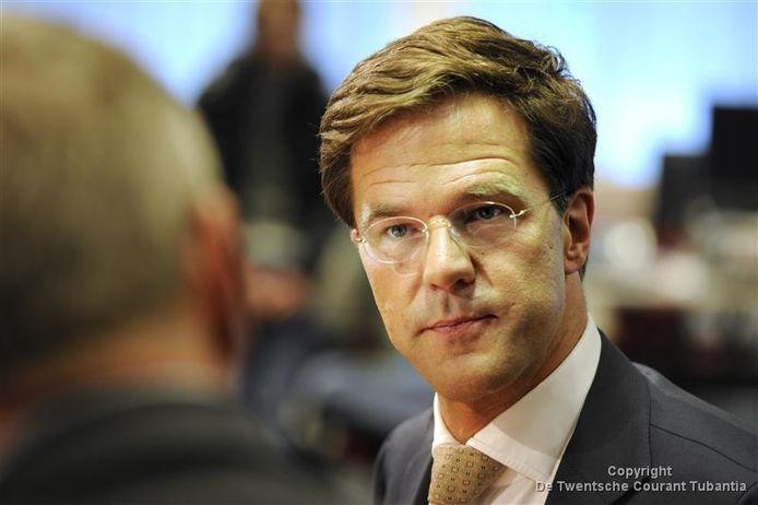 Premier Rutte heeft een doodsbedreiging gekregen van een man uit Borne, docent aan het ROC te Hengelo. Die zit inmiddels vast.