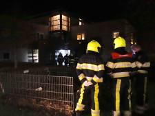 Brandweer en politie halen verwarde vrouw uit huis
