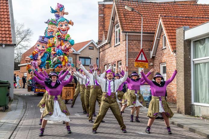 De wagen van De Snotkokers tijdens afgelopen carnaval.