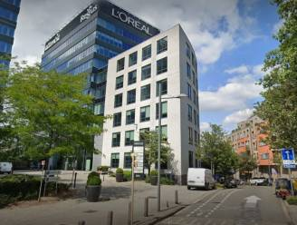 """L'Oréal haalt 125 banen weg in Brussel en verplaatst jobs naar Nederland: """"We zullen werknemers voorstellen te verhuizen naar Amsterdam"""""""
