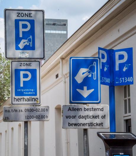 Nieuw digitaal parkeerloket drijft Tilburgse ondernemers tot wanhoop: 'Ik werd zó boos'
