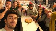 Populaire tv-show 'Dertigers' wordt boek over het bewogen verleden van de vrienden