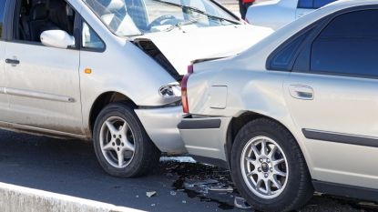 Bestuurder kritiek gewond na frontale aanrijding in Perwez nabij Namen