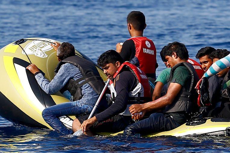 Vluchtelingen op weg van het Turkse Bodrum naar het Griekse eiland Kos.