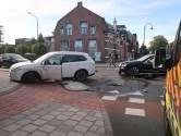 Auto's botsen op Stationsstraat in Rijen
