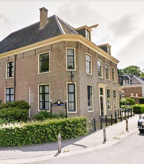 Klein Rozendaal wijkt uit naar groot provinciehuis