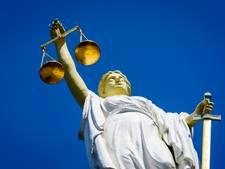 Arnhemmers krijgen taakstraf voor vechtpartij op Korenmarkt