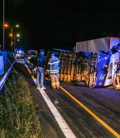 Twee mensen gewond geraakt bij ernstig ongeval met meerdere auto's op de N3, weg grotendeels dicht
