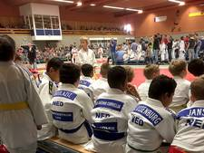 Lawine van jong judotalent dendert door de Amerhal