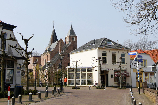 De kern van Burgh-Haamstede telt volgens de gemeente 37 deeltijdwoningen, ofwel woningen die zijn gekocht door mensen die er bijna nooit zijn.