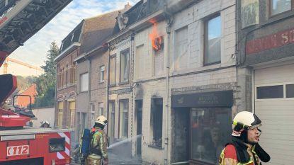 Vijf woningen getroffen door zware brand in centrum Geraardsbergen