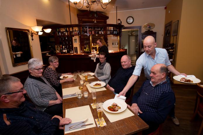Over de Tong ging eten bij De Gravin van Vorden in Vorden.