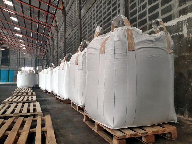 Zakken ammoniumnitraat in een fabriek. Foto ter illustratie. Beeld Shutterstock