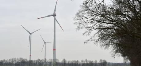 Grens zit stroomkabel naar windmolens dwars: wethouder van Losser vraagt minister om actie