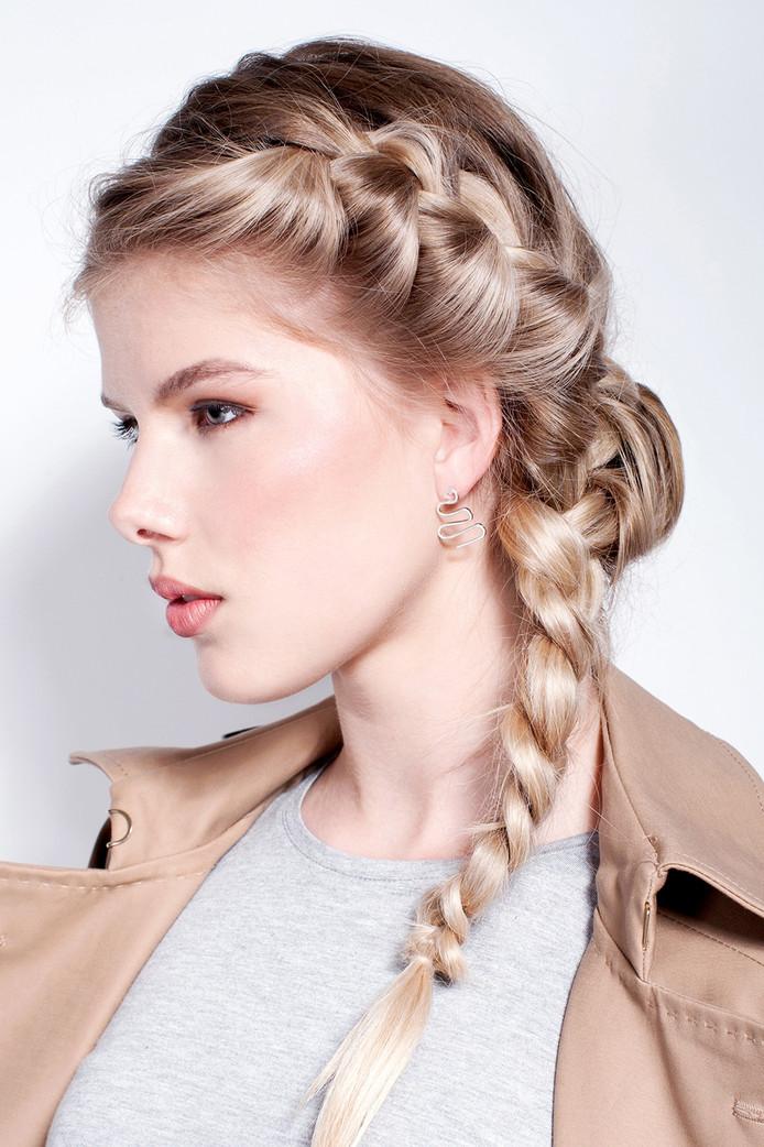 Model: Sterre @ Elite Models, Make-Up: Wout Philippo, Haar: Kirsten Auwema, Styling: Maureen Cloesmeijer