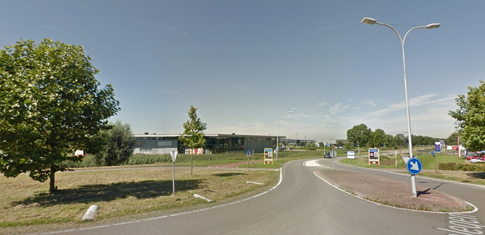 De huidige aansluiting van de N656 op industrieterrein Welgelegen.