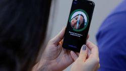 Chinese krijgt twee keer geld terug omdat iPhone X ook gezicht van haar collega herkent