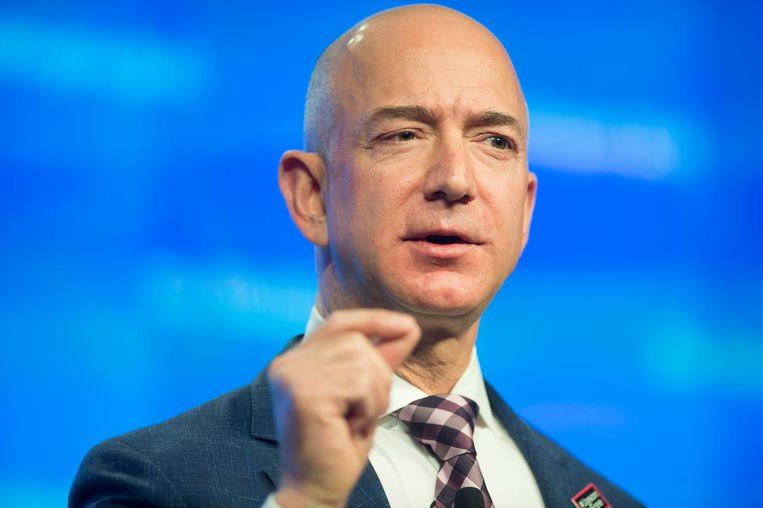 Amazon-topman Jeff Bezos begon een onderzoek naar wie zijn sms'jes heeft gelekt naar de Amerikaanse roddelsite National Enquirer.