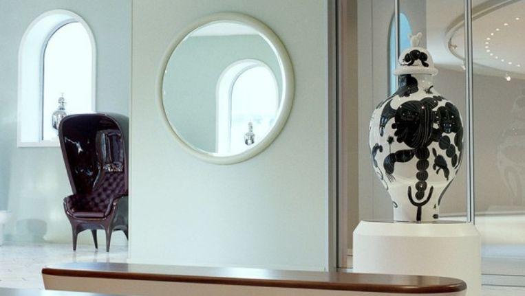 De vaas nog in het museum Beeld Groninger Museum