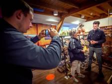 Jonge vloggers blazen het stof van Museum Tweestromenland in Beneden-Leeuwen