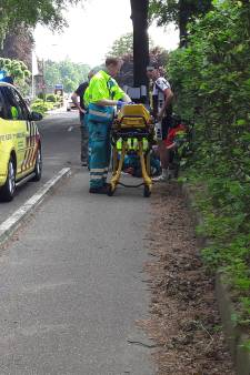 Scooterrijder gewond na val over betonnen muurtje in Groesbeek