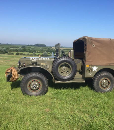 In een oude legerauto langs de slagvelden van Kapelle