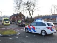 Fietser naar ziekenhuis na botsing in Rijssen