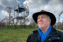 Boswachter Frans Kapteijns bij de 'Tour de Frans',  de naar hem uitkijktoren in natuurgebied Kampina.