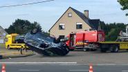 Auto over de kop op Liersesteenweg (N10)