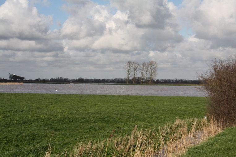Veel water in de Waterhoek in Reninge