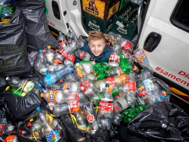 Dean (8) zamelt 1000 flessen in voor koala's en kangoeroes in Australië