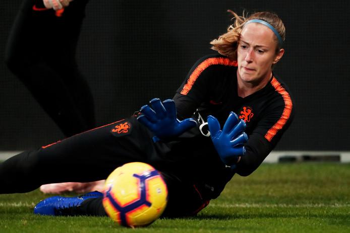Loes Geurts is haar basisplaats kwijt bij Oranje.