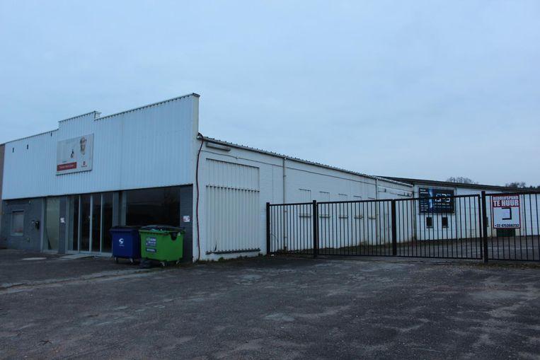 Onder meer in deze loods in Hamont-Achel hebben speurders vorig jaar een grootschalig druglaboratorium opgerold.